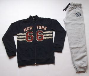 SPORTS SET - PANTS AND SWEATSHIRT